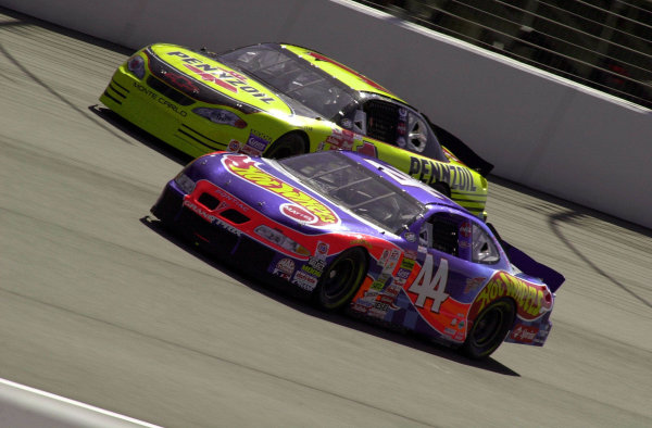 """Kyle Petty (44) and Stve Park (1) race together during """"Happy Hour"""" practice.NAPA Auto Parts 500 at California Speedway, Fontana, California, USA, 30 April,2000.-F Peirce Williams 2000 LAT PHOTOGRAPHIC USA"""