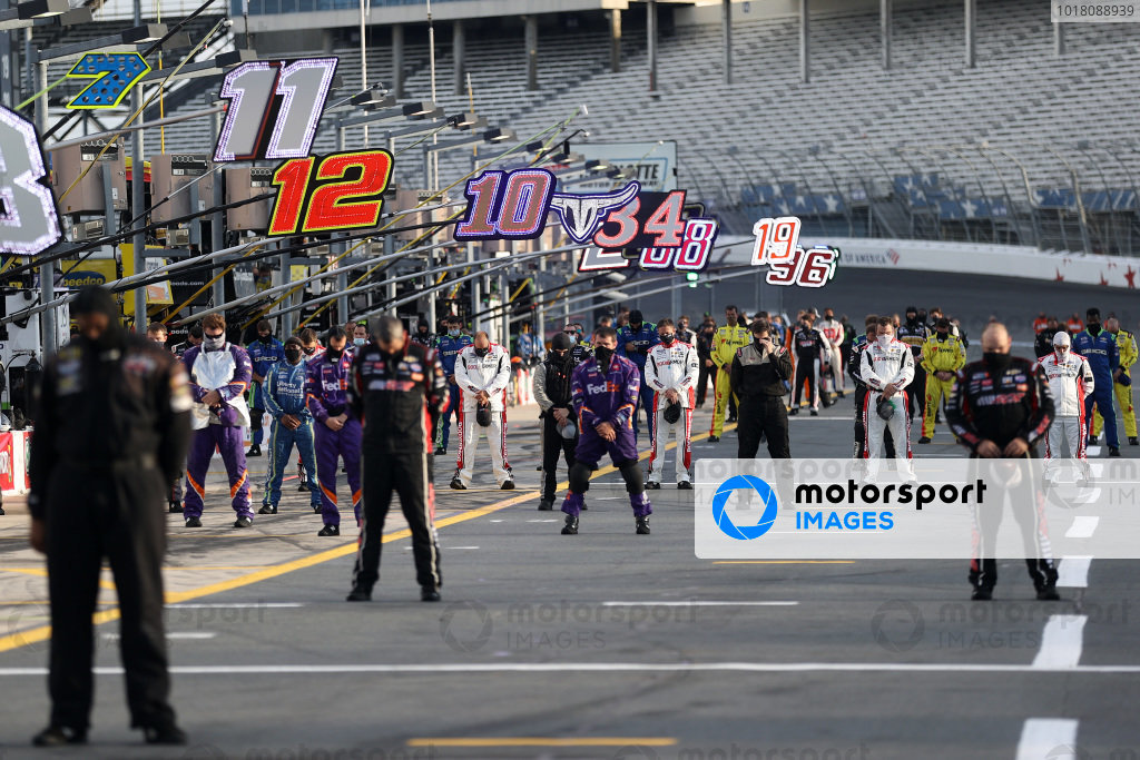 Drivers and crew stand for the national anthem Copyright: Chris Graythen/Getty Images
