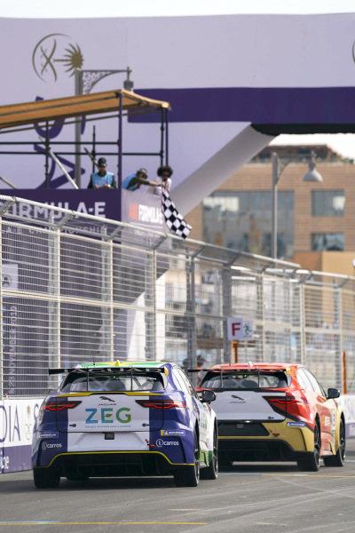 Zhang Yaqi (CHI), Jaguar China Racing leads Sérgio Jimenez (BRA), ZEG iCarros Jaguar Brazil to the chequered flag