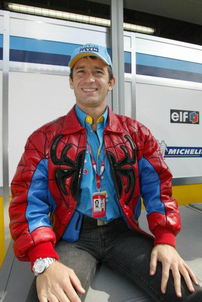 "2002 Japanese Grand Prix.Suzuka, Japan. 11-13 October 2002.Jarno Trulli (Renault) in his ""spiderman"" jacket.World Copyright - LAT Photographicref: Digital File Only"