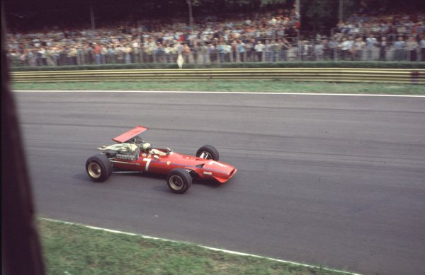 1968 Italian Grand Prix.Monza, Italy.6-8 September 1968.Chris Amon (Ferrari 312).Ref-68 ITA 67.World Copyright - LAT Photographic