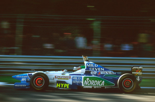 Monza, Italy.6-8 September 1996.Gerhard Berger (Benetton B196 Renault) exited the race due to a hydraulics failure.Ref-96 ITA 11.World Copyright - LAT Photographic