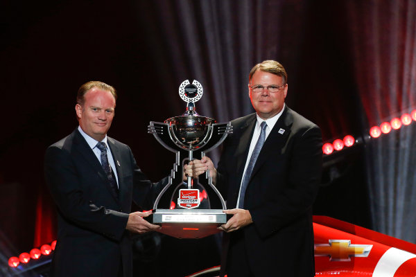 31 August, 2015, San Francisco, California, USA Jim Campbell of Chevrolet is presented with the Manufacturers' Championship award © 2015, Michael L. Levitt LAT Photo USA