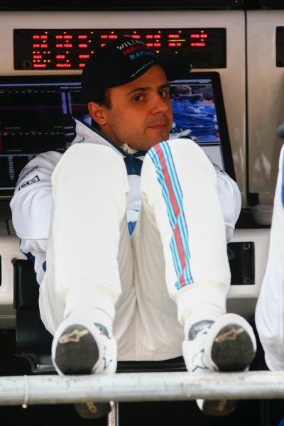 Shanghai International Circuit, Shanghai, China.  Friday 7 April 2017. Felipe Massa, Williams Martini Racing, relaxes on the pit wall. World Copyright: Andrew Hone/LAT Images ref: Digital Image _ONZ4065