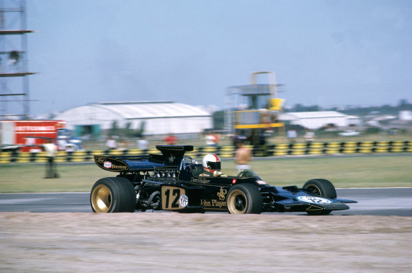 1972 Argentine Grand PrixBuenos Aires, Argentina. 21st - 23rd January 1972Dave Walker (Lotus 72-Ford), Action. World Copyright: LAT Photographic.Ref: 72 ARG 69