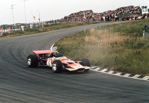 Zandvoort, Holland.19-21 June 1969.Graham Hill (Lotus 49B Ford) 7th position.Ref-35mm 69 HOL 18.World Copyright - LAT Photographic