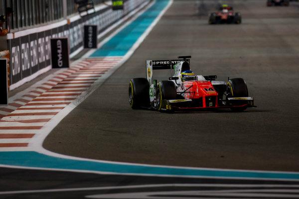 2017 FIA Formula 2 Round 11. Yas Marina Circuit, Abu Dhabi, United Arab Emirates. Saturday 25 November 2017. Sergio Sette Camara (BRA, MP Motorsport).  Photo: Zak Mauger/FIA Formula 2. ref: Digital Image _X0W8895