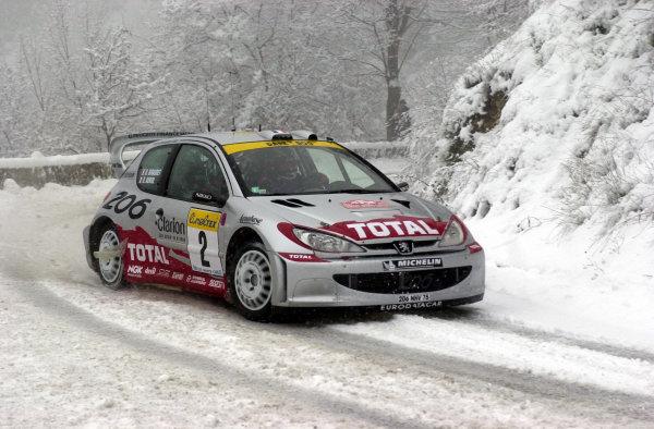 2001 World Rally Championship. Monte Carlo Rally,  Monaco. 18th -21st January 2001. Rd 1.  Didier Auriol during the snowy shakedown. World Copyright: Ralph Hardwick/ LAT Photographic. Ref: Auriol1