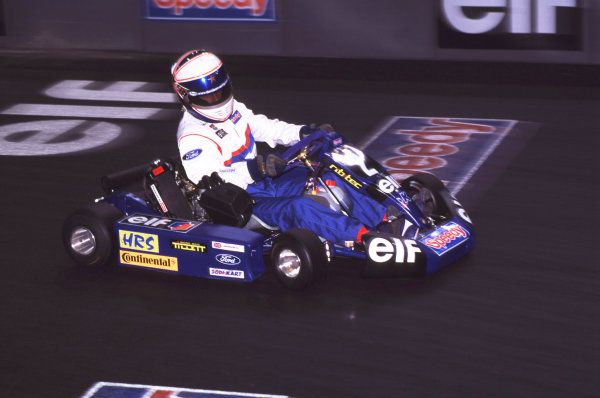 2000 Elf Masters Karting Bercy Paris, France. 10th December 2000. Autosport Yound Driver of the Year winner Anthony Davidson in action. World Copyright: Chris Dixon/LAT Photographic