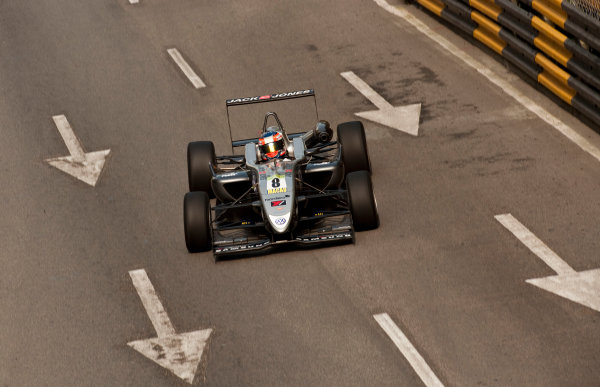 Formula Three. 16th - 19th November 2011. Circuit de Guia, Macau. Kevin Magnussen, Carlin. Action. World Copyright: Drew Gibson/LAT Photographic. ref: Digital Image _Y2Z6282