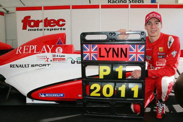 Silverstone, Northamptonshire. 14th - 16th October 2011.Alex Lynn (GBR) Fortec Motorsport Formula Renault.World Copyright: Ebrey/LAT Photographic.