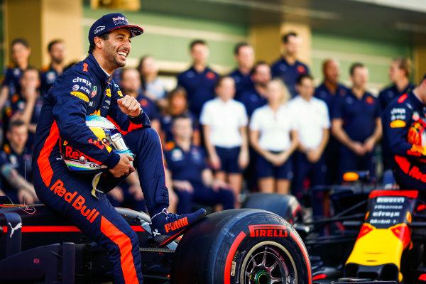Yas Marina Circuit, Abu Dhabi, United Arab Emirates. Sunday 26 November 2017. Daniel Ricciardo, Red Bull Racing. World Copyright: Andy Hone/LAT Images  ref: Digital Image _ONY2639