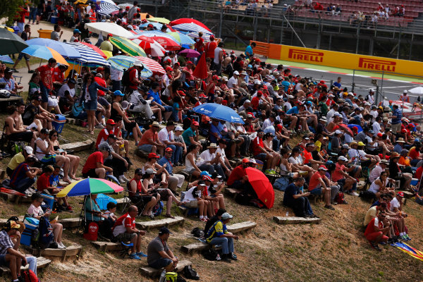 Circuit de Catalunya, Barcelona, Spain. Sunday 10 May 2015. Fans watch the Porsche Supercup. World Copyright: Steven Tee/LAT Photographic. ref: Digital Image _L4R9646