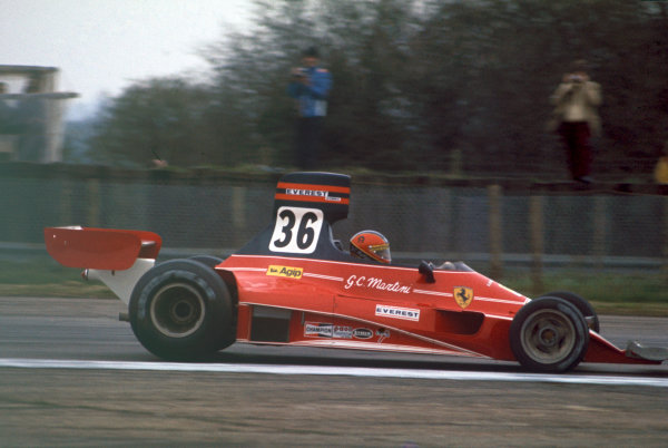 Silverstone, Great Britain. 11th April 1976. Giancarlo Martini (Ferrari 312T), 10th position, action.  World Copyright: LAT Photographic. Ref:  76 INT 10
