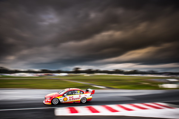 2017 Supercars Championship Round 5.  Winton SuperSprint, Winton Raceway, Victoria, Australia. Friday May 19th to Sunday May 21st 2017. Scott McLaughlin drives the #17 Shell V-Power Racing Team Ford Falcon FGX. World Copyright: Daniel Kalisz/LAT Images Ref: Digital Image 190517_VASCR5_DKIMG_3601.JPG