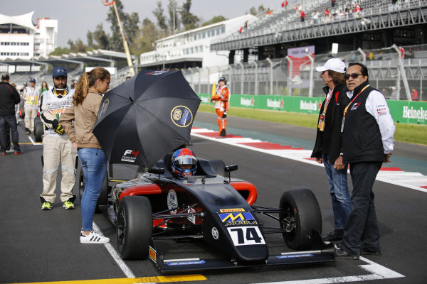 Enzo Fittipaldi (BRA) on the grid with Emerson Fittipaldi (BRA) on the grid at Formula 4 Series, Circuit Hermanos Rodriguez, Mexico City, Mexico, 30 October 2016.