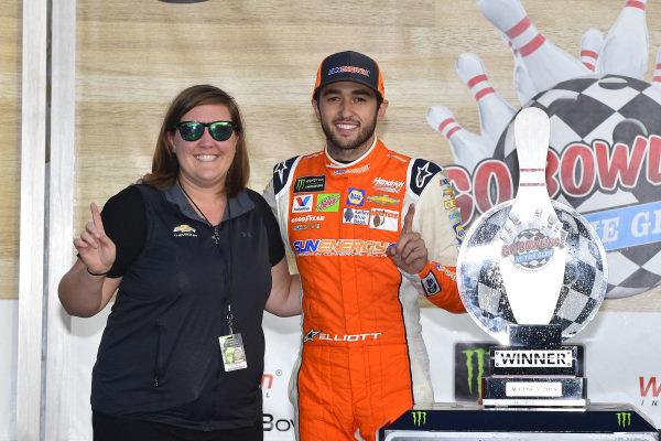 #9: Chase Elliott, Hendrick Motorsports, Chevrolet Camaro SunEnergy1 celebrates in victory lane