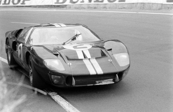 Bruce McLaren / Chris Amon, Shelby American Inc., Ford Mk II.