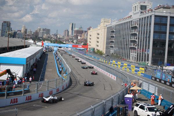 Sergio Sette Camara (BRA), Dragon Penske Autosport, Penske EV-5, leads Stoffel Vandoorne (BEL), Mercedes Benz EQ, EQ Silver Arrow 02, and Edoardo Mortara (CHE), Venturi Racing, Silver Arrow 02