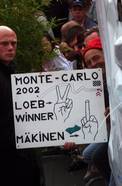 An enthusiastic fan shows his 'support' for Makinen.