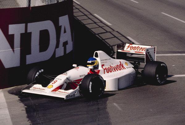 1991 United States Grand Prix. Phoenix, Arizona, USA.8-10 March 1991. Michele Alboreto (Footwork A11C Porsche). Ref: 91USA07. World Copyright - LAT Photographic
