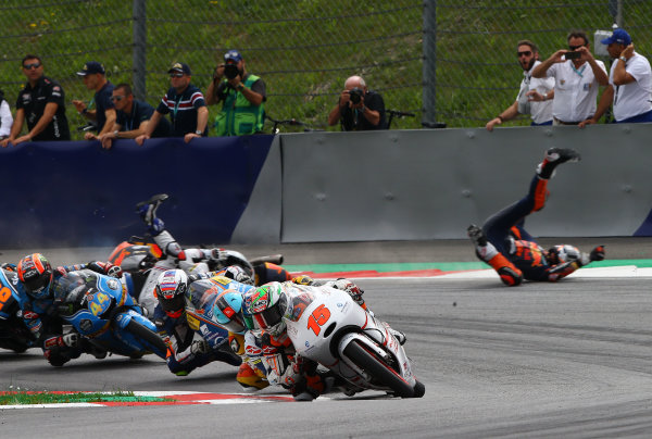 2017 Moto3 Championship - Round 11 Spielberg, Austria Sunday 13 August 2017 Jaume Masia, Platinum Bay Real Estate leads pack, crash of Bo Bendsneyder, Red Bull KTM Ajo and John McPhee, British Talent Team World Copyright: Gold and Goose / LAT Images ref: Digital Image 687238