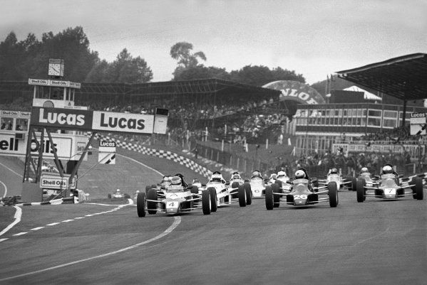 Brands Hatch, England. 20th July 1986.Roland Ratzenberger (Van Diemen RF86), 1st position, car 4, leads at the start, action. This was an invitational race arranged by Ford in which all cars were set up by Van Diemen.World Copyright: LAT Photographic.Ref: 86/1085 -2A