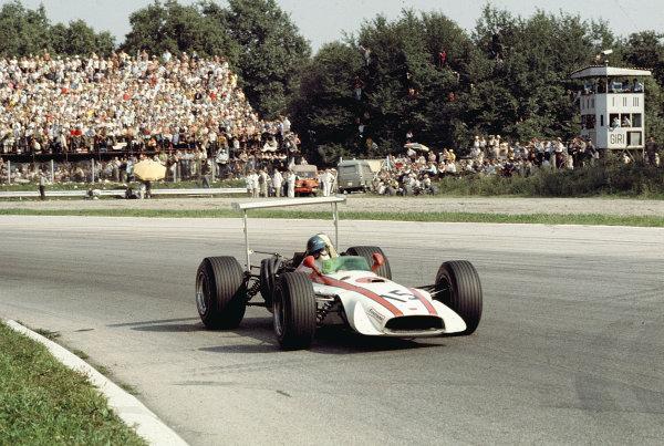 1968 Italian Grand Prix.Monza, Italy.6-8 September 1968.David Hobbs (Honda RA301).Ref-68 ITA 57.World Copyright - LAT Photographic