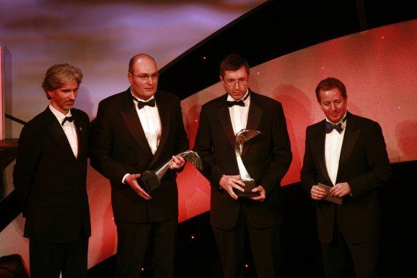 2006 Autosport AwardsGrosvenor House Hotel, London. 3rd December 2006.Renault staff Dino Toso and Tim Densham accept Fernando Alonso's International Racing Driver Award.World Copyright: Malcolm Griffiths/LAT Photographicref: Digital Image _MG_2710
