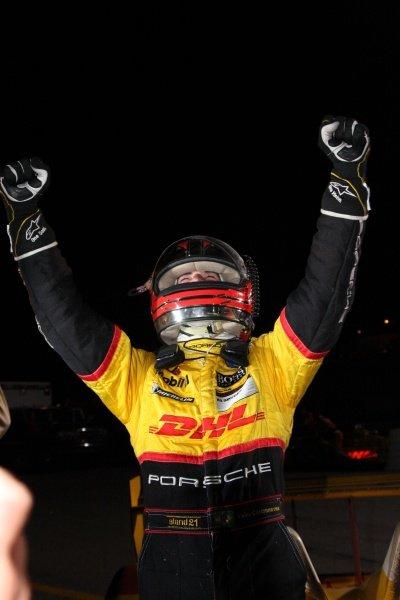 Helio Castroneves (BRA), Penske Porsche RS Spyder, won the LMP2 category.American Le Mans Series, Rd10, Petit Le Mans, Road Atlanta, USA, 4 October 2008.