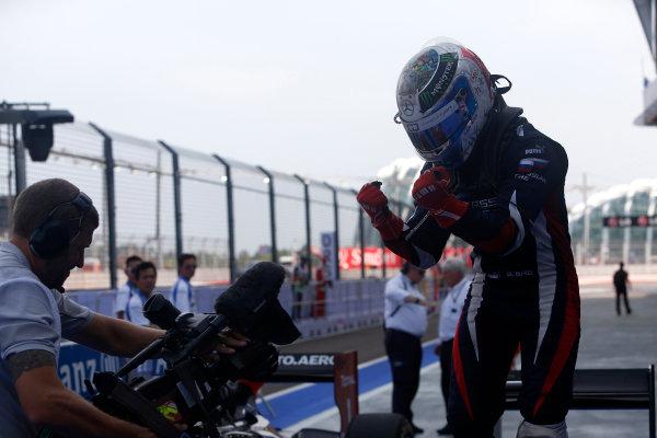 2013 GP2 Series. Round 10.  Marina Bay Circuit, Singapore. 22nd September 2013. Sunday Race.  Sam Bird (GBR, RUSSIAN TIME) celebrates his victory.  World Copyright: Alastair Staley/GP2 Media Service  ref: Digital Image _R6T1098.jpg