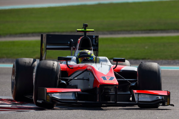 2015 GP2 Series Test 3. Yas Marina Circuit, Abu Dhabi, United Arab Emirates. Thursday 3 December 2015. Nick Yelloly (GBR, MP Motorsport). World Copyright: Zak Mauger/LAT Photographic. ref: Digital Image _L0U1493