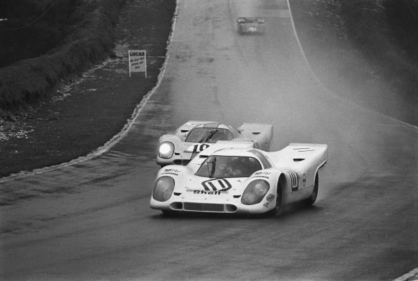 1970 BOAC Brands Hatch 1000 Kms. Brands Hatch, England. 12th April 1970. Vic Elford / Denny Hulme (Porsche 917K), 2nd position leads Pedro Rodriguez / Leo Kinnunen (Porsche 917K), 1st position, action.  World Copyright: LAT Photographic. Ref: 2986 - 27A.