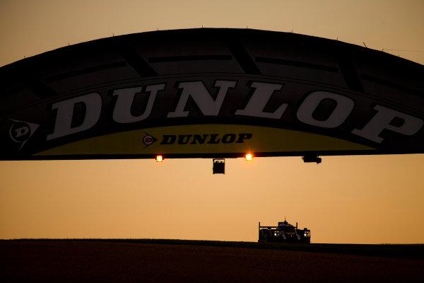 2016 Le Mans 24 Hours. Circuit de la Sarthe, Le Mans, France. Saturday 18 June 2016. Porsche Team / Porsche 919 Hybrid - Timo Bernhard (DEU), Mark Webber (AUS), Brendon Hartley (NZL).   World Copyright: Zak Mauger/LAT Photographic ref: Digital Image _79P7587