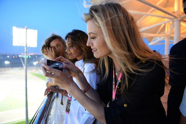 Fans at Formula One World Championship, Rd3, Bahrain Grand Prix Race, Bahrain International Circuit, Sakhir, Bahrain, Sunday 16 April 2017.