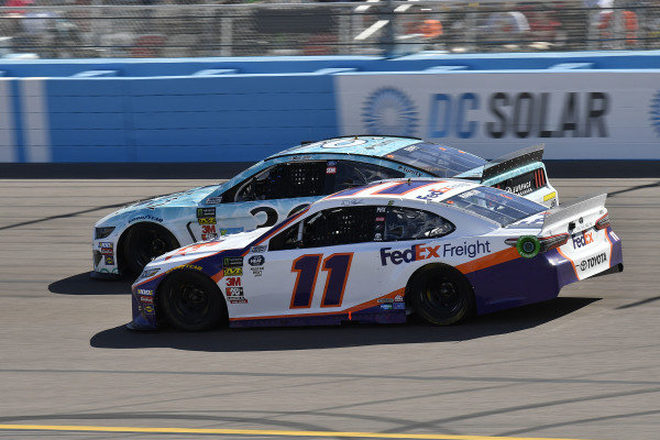 #11: Denny Hamlin, Joe Gibbs Racing, Toyota Camry FedEx Freight and #36: Matt Tifft, Front Row Motorsports, Ford Mustang Surface Sunscreen / Tunity