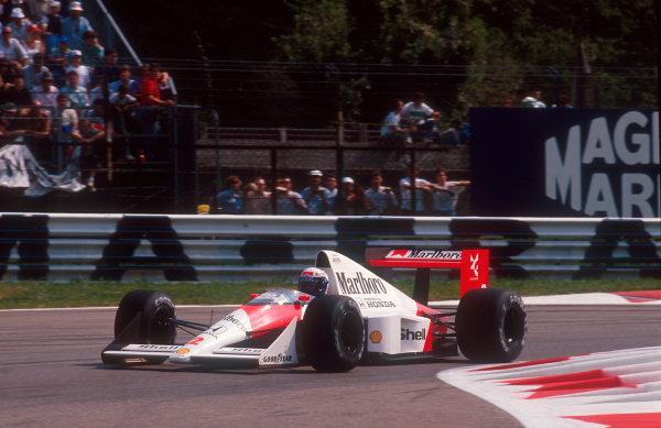 1989 Italian Grand Prix.Monza, Italy.2-4 June 1989.Alain Prost (McLaren MP4/5 Honda) 1st position.World Copyright - LAT Photographic. Ref: 89ITA13.