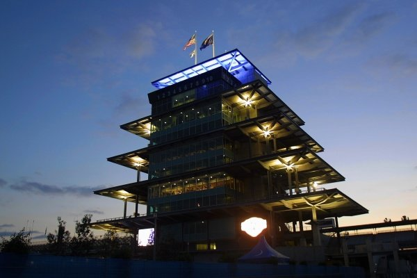 The Indianapolis control tower at Dusk.