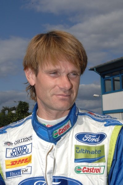 Marcus Gronholm (FIN), Ford, at the remote service zone.