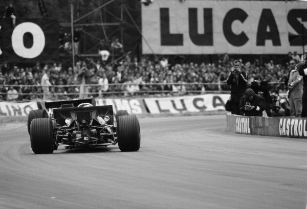 Jackie Stewart, Matra MS80 Ford, chases Jochen Rindt, Lotus 49B Ford.