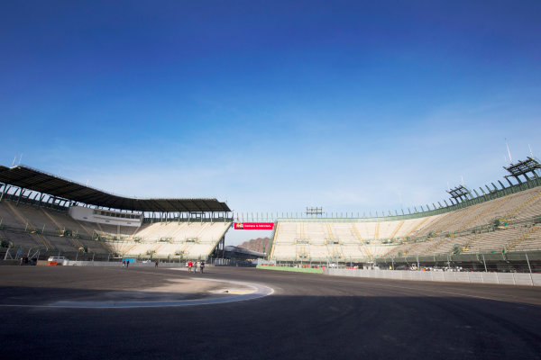 Autodromo Hermanos Rodriguez, Mexico City, Mexico. Tuesday 20 October 2015. The stadium section of the circuit. World Copyright: Steven Tee/LAT Photographic. ref: Digital Image _X0W3790