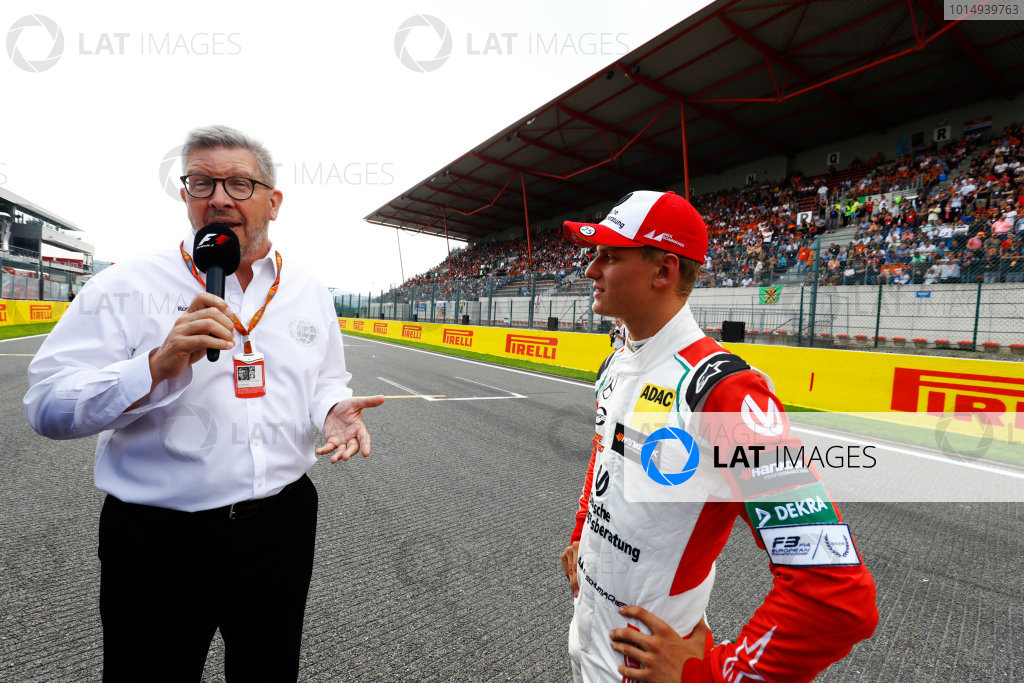 Spa Francorchamps, Belgium.  Sunday 27 August 2017. Mick Schumacher talkes to Ross Brawn, Managing Director of Motorsports, FOM, after driving his father, Michael's, 1994 Benetton Ford B194. World Copyright: Steven Tee/LAT Images  ref: Digital Image _R3I1164