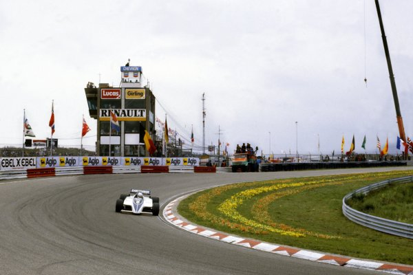 1982 Dutch Grand Prix.Zandvoort, Holland. 3 July 1982.Riccardo Patrese, Brabham BT50-BMW, 15th position, action.World Copyright: LAT PhotographicRef: 35mm transparency 82HOL