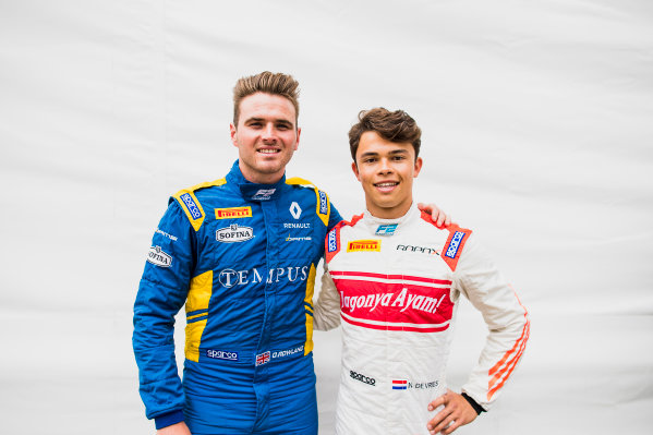 2017 FIA Formula 2 Round 4. Baku City Circuit, Baku, Azerbaijan. Thursday 22 June 2017. Oliver Rowland (GBR, DAMS) and Nyck De Vries (NED, Rapax)  Photo: Zak Mauger/FIA Formula 2. ref: Digital Image _54I9291