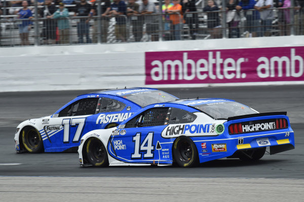 #17: Chris Buescher, Roush Fenway Racing, Ford Mustang Fastenal, #14: Chase Briscoe, Stewart-Haas Racing, Ford Mustang HighPoint.com Ford