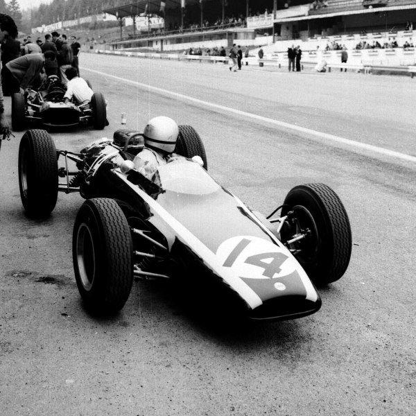 1963 Belgian Grand Prix.Spa-Francorchamps, Belgium.7-9 June 1963.Bruce McLaren (Cooper T66 Climax) 2nd position.Ref-19206.World Copyright - LAT Photographic