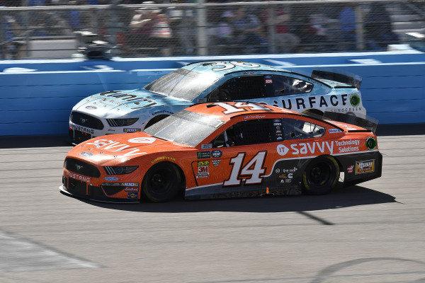 #14: Clint Bowyer, Stewart-Haas Racing, Ford Mustang ITsavvy and #36: Matt Tifft, Front Row Motorsports, Ford Mustang Surface Sunscreen / Tunity