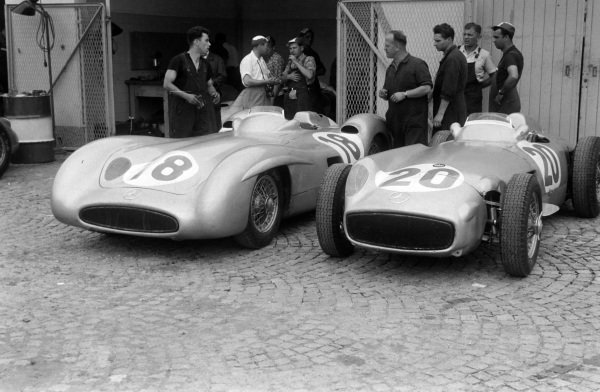 The Mercedes W196s of Juan Manuel Fangio (#18) and Karl Kling (#20).