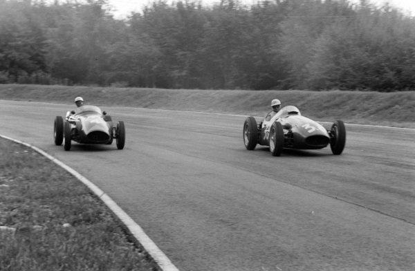Chico Godia-Sales, Maserati 250F, battles with Ron Flockhart, Connaught B Alta.