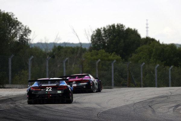 #22 Gradient Racing Acura NSX GT3, GTD: Till Bechtolsheimer, Marc Miller, #86 Meyer Shank Racing w/Curb-Agajanian Acura NSX GT3, GTD: Mario Farnbacher, Matt McMurry